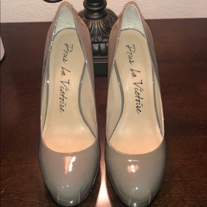 Gently used Pumps